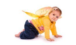 Развитие ребенка в 9 месяцев: советы для родителей
