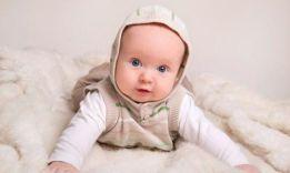 Развитие ребенка в 4 месяца: что надо знать родителям?