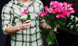 Сколько цветов дарить девушке на все случаи жизни?