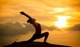 Как стать инструктором по йоге: 5 лучших школ в России