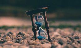 Физик объяснил, почему с возрастом время летит быстрее..