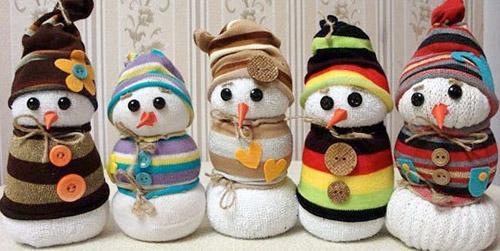 novogodnie-snegoviki