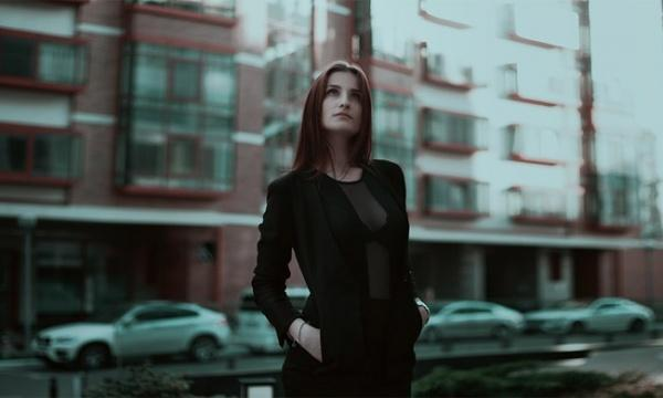 Офисные работы для девушек после 11 класса топ девушка модель работа в москве