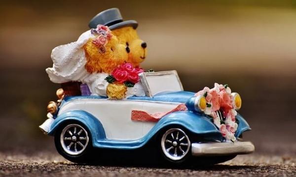 Как отметить год свадьбы вдвоем