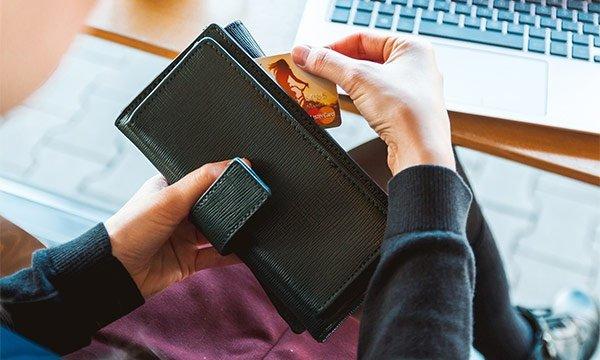 vyvod-vebmani-na-kartu-sberbanka