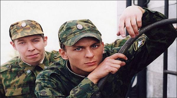 kak-vyzhit-v-armii