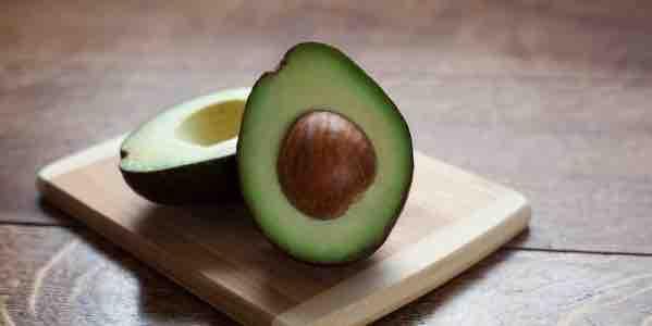 poleznye-i-vrednye-svojstva-avokado