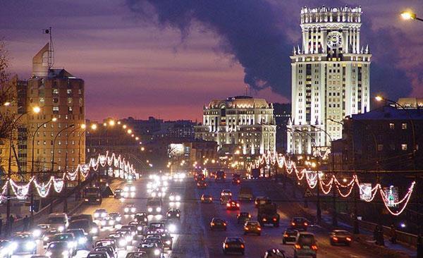 glavnaja-ulica-v-gorode-moskva