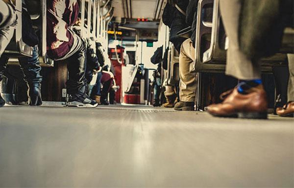 nastupili-na-nogu-v-avtobuse