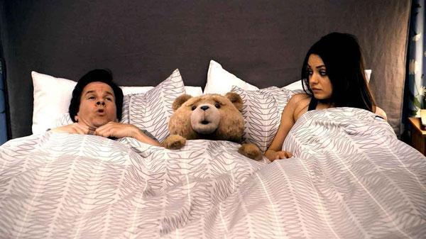 neznakomyj-chelovek-v-posteli