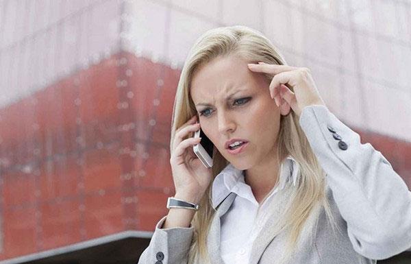neprijatnyj-telefonnyj-razgovor